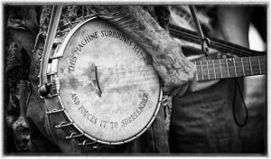 pete-seeger-banjo-2336e